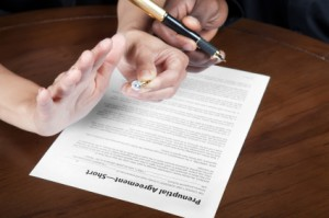 "How do you get your fiancé to sign a Tennessee prenuptial agreement or ""prenup""?"