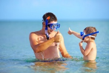 photo tn father and child sharing swim